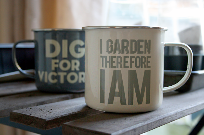 Thoughtful Gardener enamel mugs; 'I garden therefore I am'
