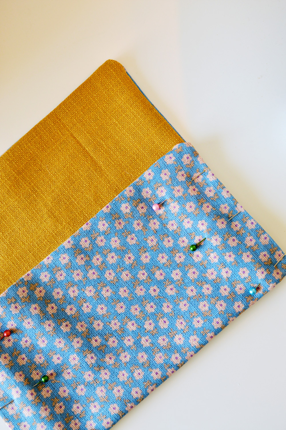Fabric + #crochet clutch tutorial #sewing