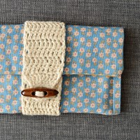 DIY Clutch with Crochet Band