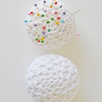 DIY crochet pincushion