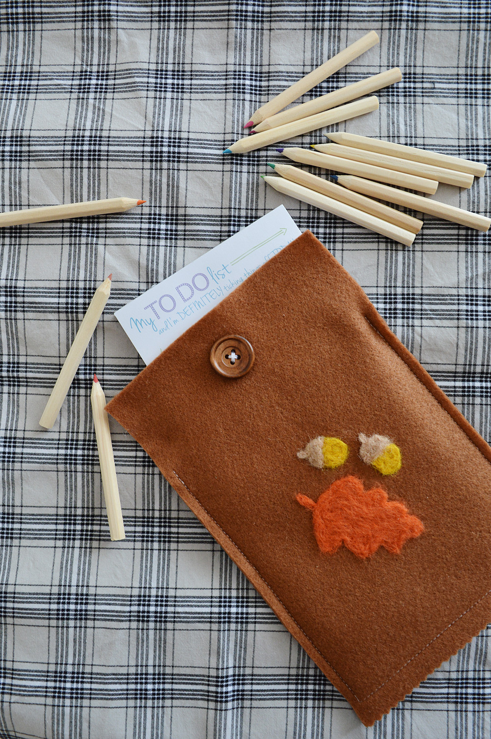 diy-felt-notepad-cover